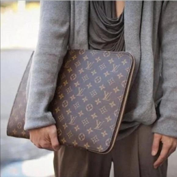 Louis Vuitton Handbags - 💎✨LAPTOP CASE✨💎 Louis Vuitton Monogram Holder!